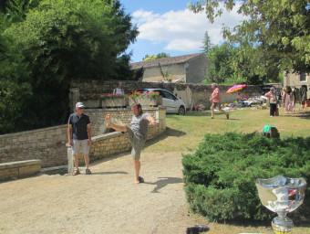 14-juillet-2019-Lancer-de-charentaises