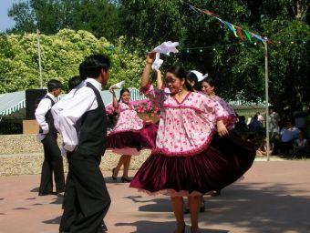 3-14-juillet-2006-Groupe-folklorique-bolivien