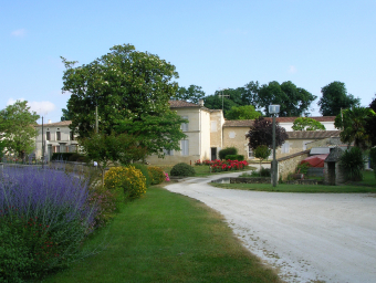 15-Le-bourg-Immeuble-Chauraud